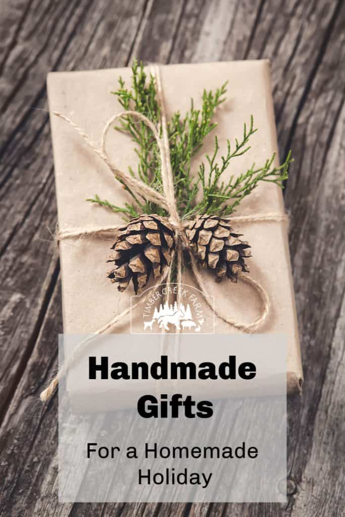 Handmade gifts are a tradition. Remember last year when you promised yourself you would make homemade gifts all  year long? And here we are. Searching for all the quick handmade gifts to give to our family and friends.